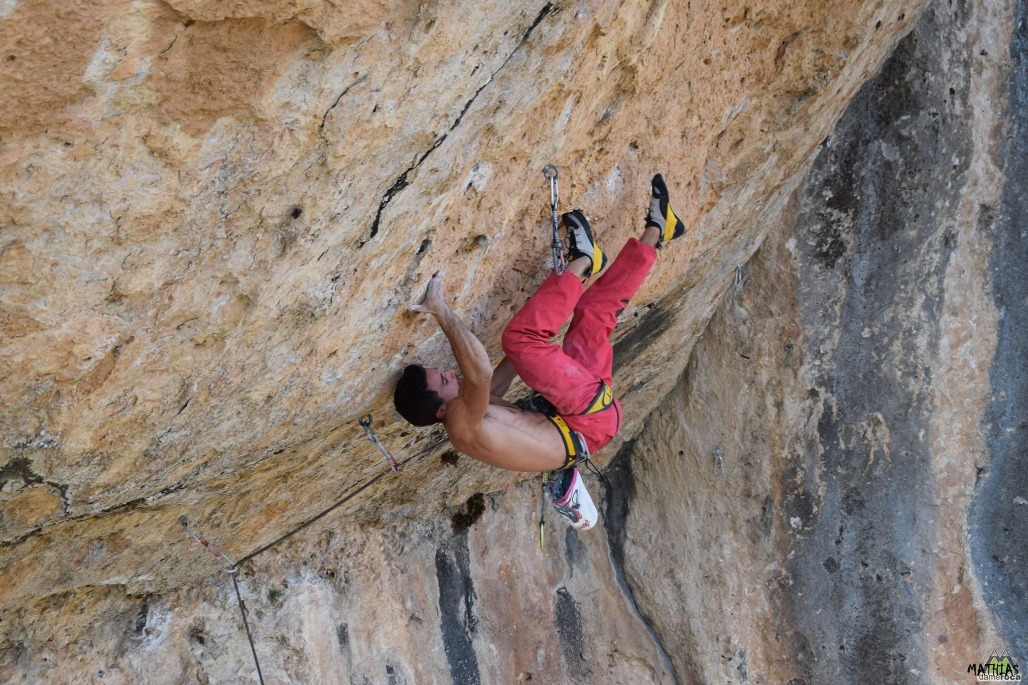 'kymi' de la peña en Palestina. Cuenca. Foto: Mathias Castaño
