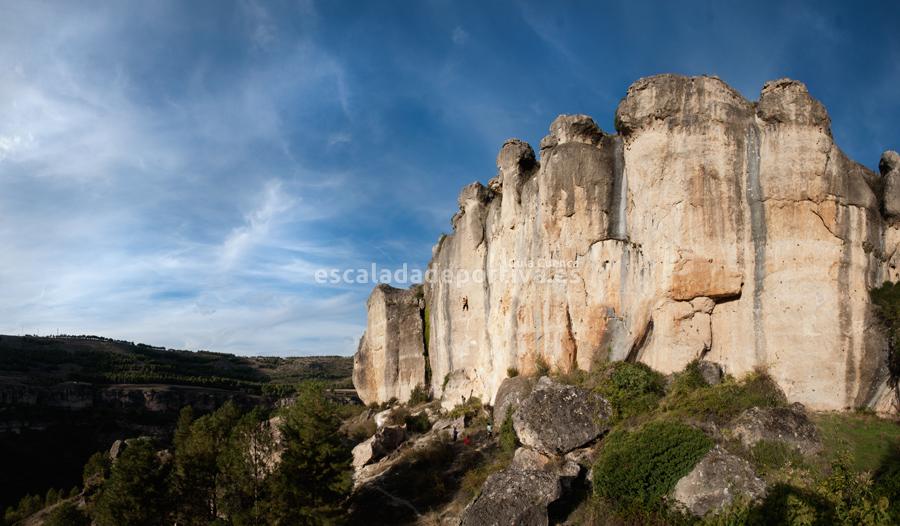Panorámica sector Cueva de la Zarza en la hoz del Huécar de Cuenca.